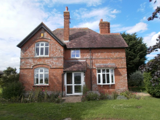 The Villa, Hinton on the Green, Nr Evesham, Worcestershire WR11 2QT - Click for more details