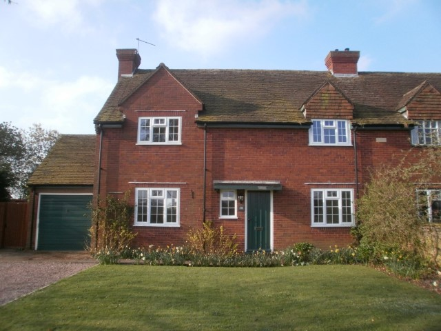 28 Madresfield Village, Malvern, Worcestershire, WR13 5AH. - Click for more details